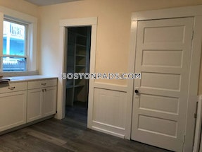 Arlington 3 Bed 1 Bath ARLINGTON $2,650 - $2,649