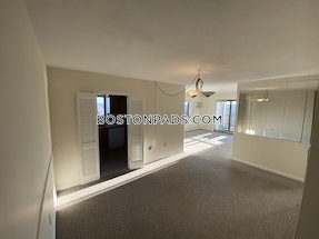 Arlington *Top Floor* No Broker fee*1 Bed 1 Bath ARLINGTON $2,000 - $1,950 No Fee